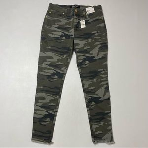 Express   NWT Camouflage Mid Rise Ankle Leggings  • Raw Hem •